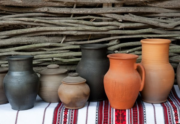 depositphotos_16350101-stock-photo-ceramic-jugs